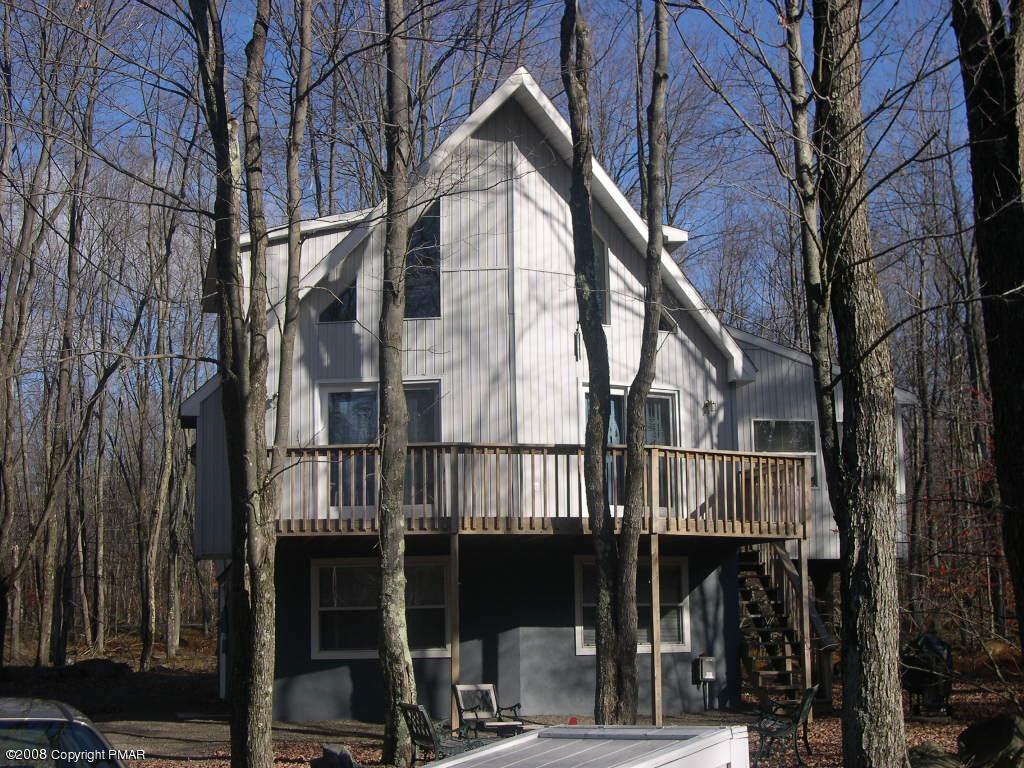Pocono Vacation Home In Arrowhead Lake NEW ROOF - YouTube